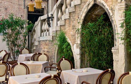 00_restaurants-bars-chaises-amalfi-sorrento