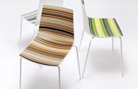 00_restaurants-bars-chaises-colorfive