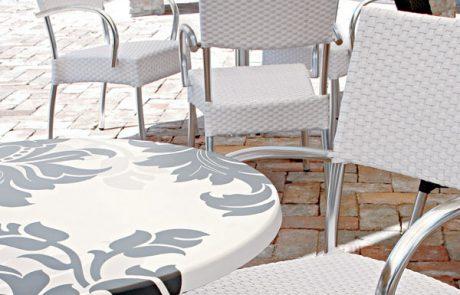 00_restaurants-bars-chaises-lara